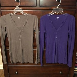 Two long sleeve v neck Gap shirts